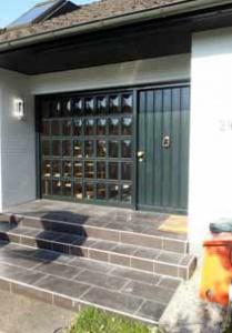 Haustür vorher Holz umgedämmt -  nachher Kunststoff gedämmt