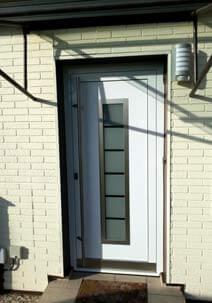 Kunststoff Haustür mit satinato Glas