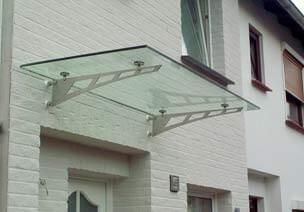 Glasvordach aus Sicherheitsglas